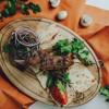 Люля-кебаб с кавказским соусом и лавашом Максим