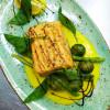 Лосось с зелеными овощами Дача