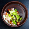 Салат с копченой куриной грудкой, маскарпоне и томатами Palace
