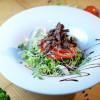 Салат теплый с телятиной Старый Маяк