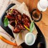 Крылышки в соево-медовой глазури с сырным соусом Чумаков