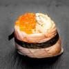 Гункан с лососем и икрой Я за суши