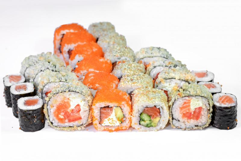 Сет роллов с лососем 1+1 - Okinawa (Окинава)