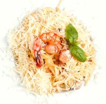 Спагетти с морепродуктами и вином Сад