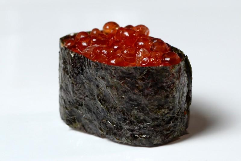 Суши икра лосося 1+1 Okinawa (Окинава)
