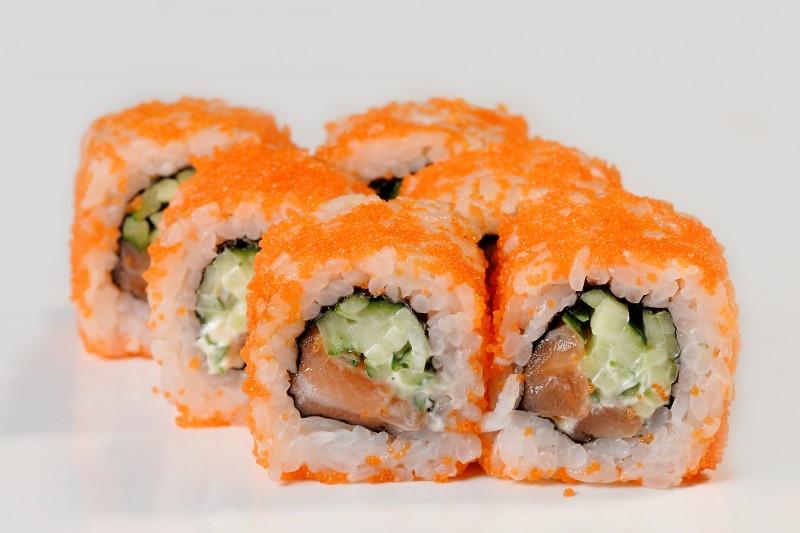 Калифорния с лососем в икре 1+1 Okinawa (Окинава)