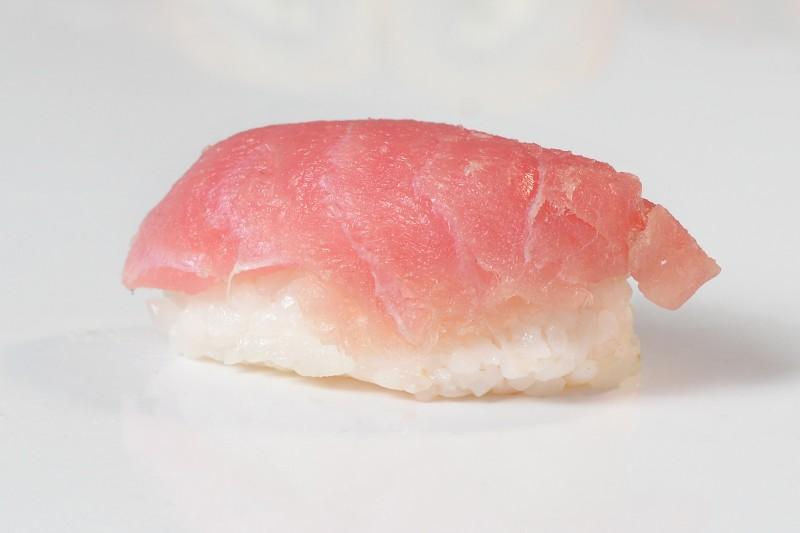 Суши тунец 1+1 Okinawa (Окинава)